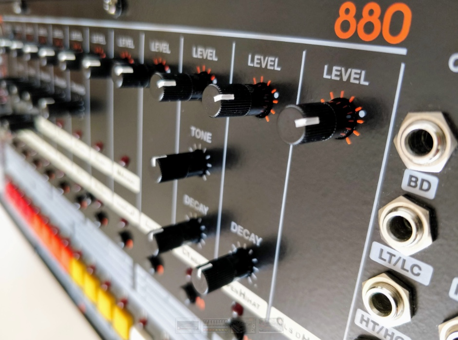 880 drum machine is a tr 808 inspired eurorack module now available for pre order. Black Bedroom Furniture Sets. Home Design Ideas