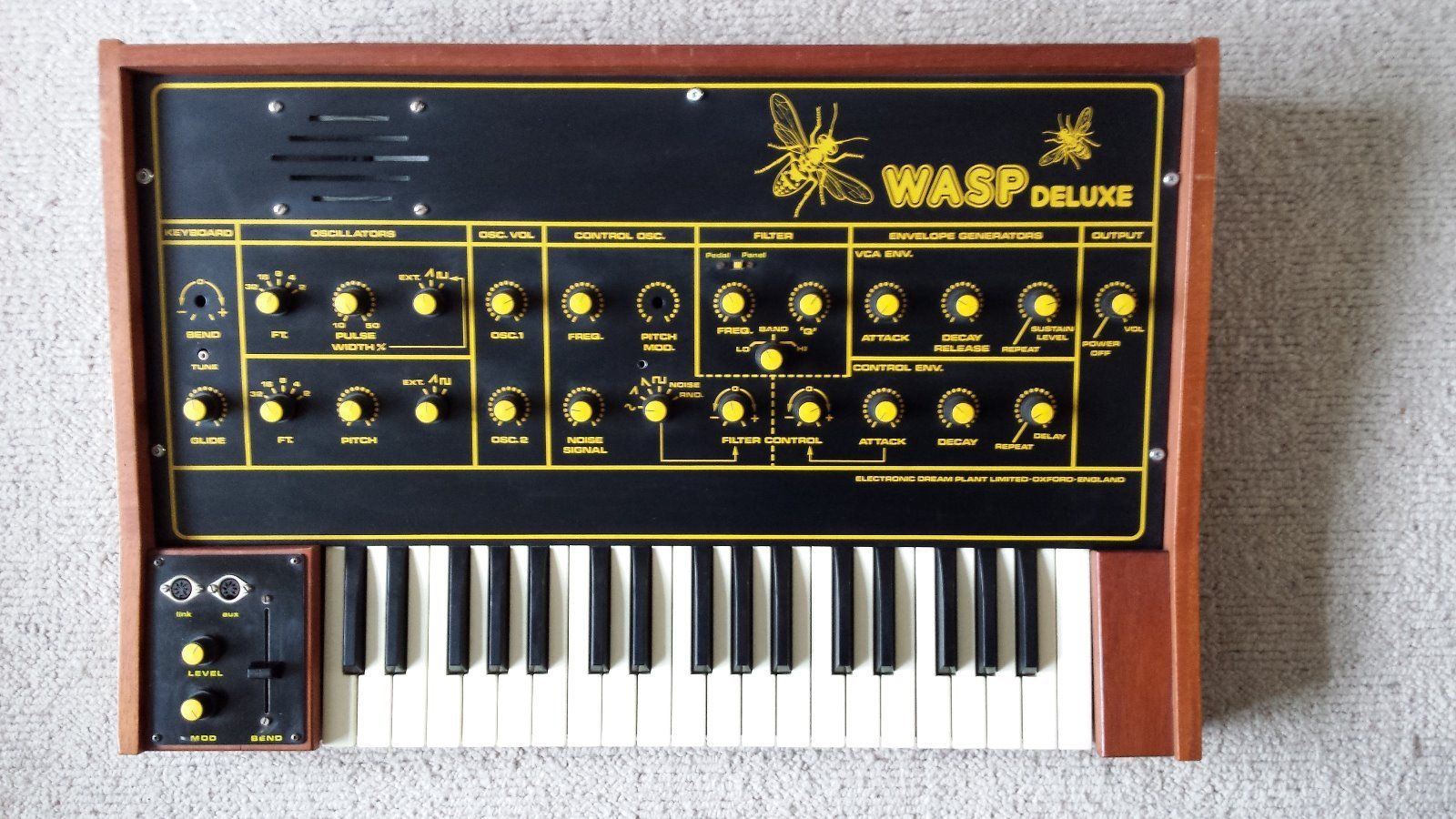 58d442341daec_Electronic-Dream-Plant-WASP-Deluxe(1).jpg.4c64a80e383ee64ac80aeca45d63652a