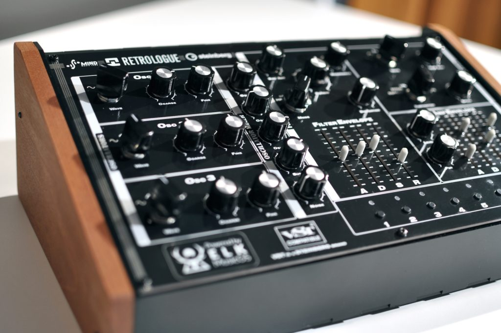 ELK Retrologue Desktop Synthesizer