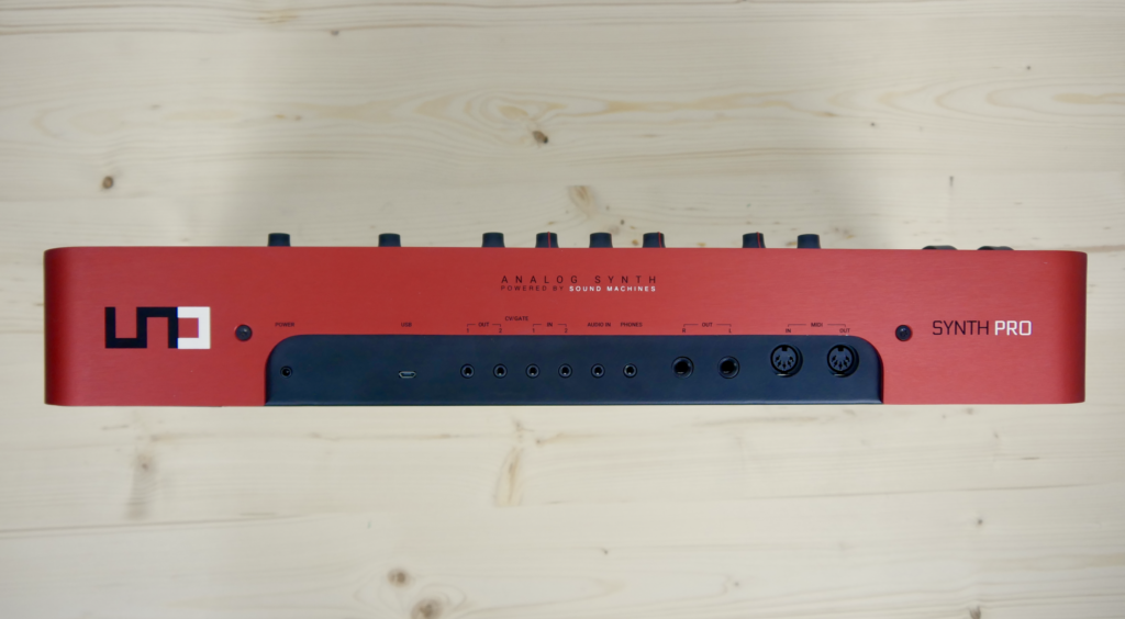 UNO Synth Pro Backside